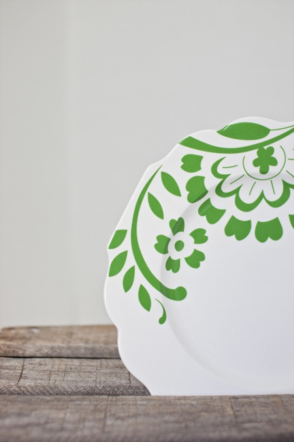 Vintage plate green and white